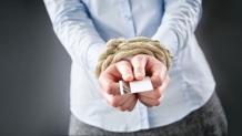 Как получить кредитную карту должнику